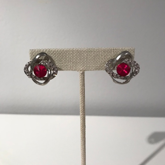 Jewelry - Pink Gem Knotted Earrings